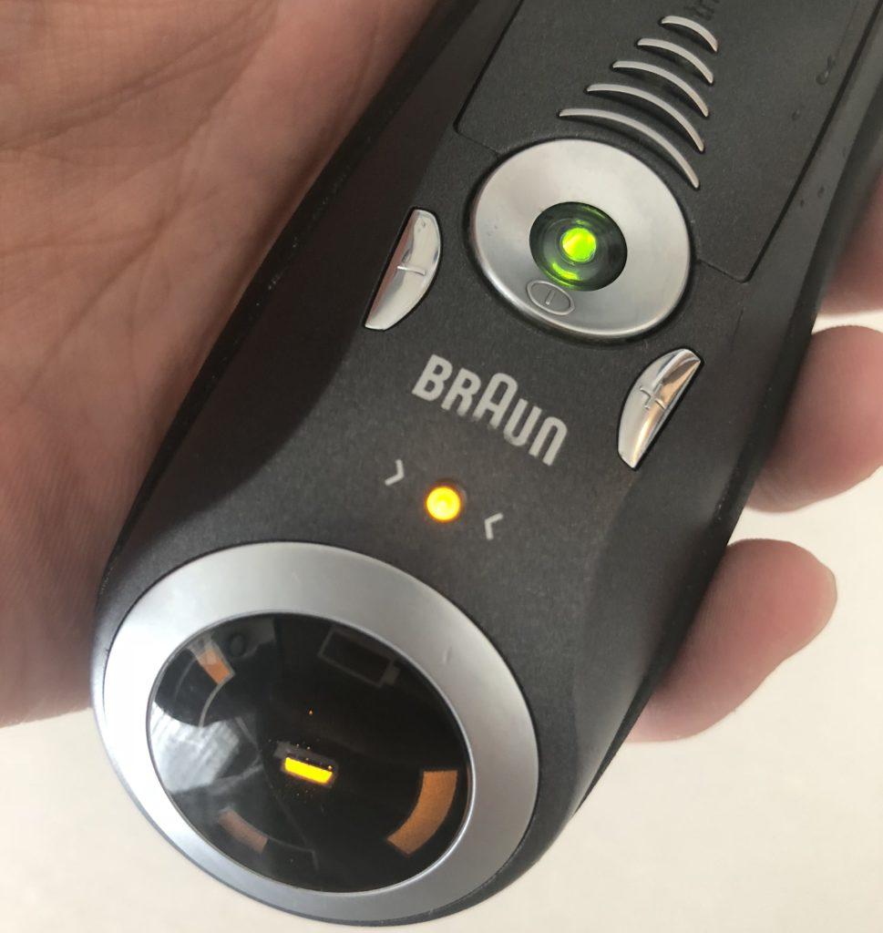 BRAUN(ブラウン)シェーバーのオレンジランプ点灯は替刃交換の合図!